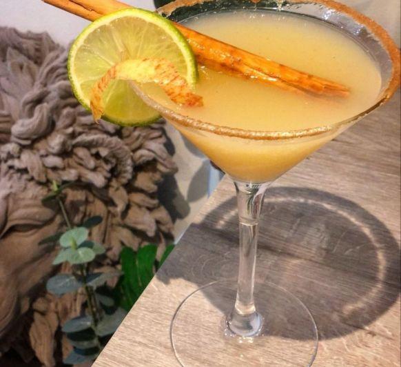 Tiempo de Cocteles en Thermomix® -Spiced Apple & Ginger Pie Cocktail
